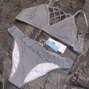 Cupshe Swim - CupShe Bikini ruffle bottom cages top